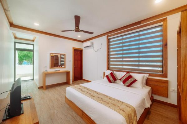 Superior Triple Room with Sea View -3S