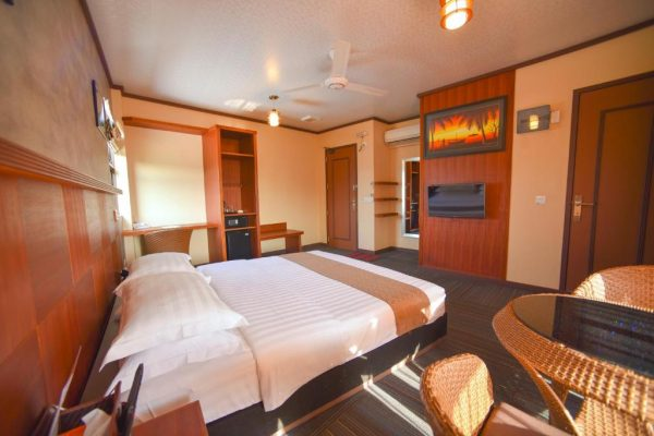Superior Double Room with Balcony – Rashu Hiyaa