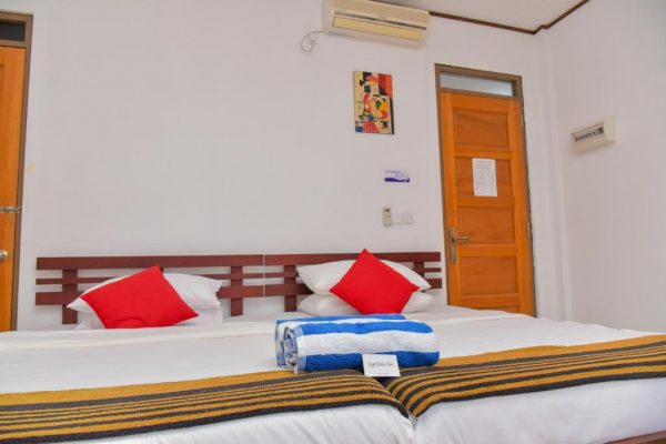 Superior Double or Twin Room with Sea View – Kanbili GH