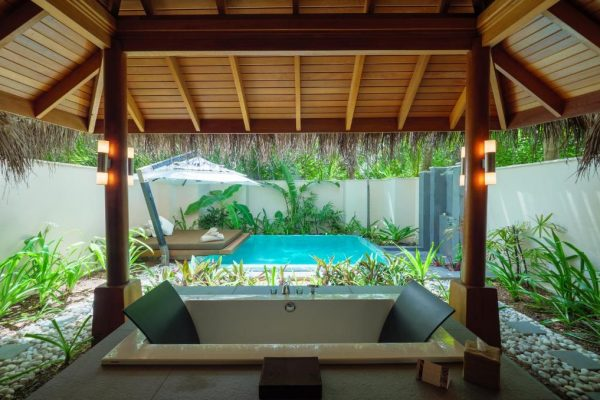Deluxe Bungalow with pool – Huvafen Fushi