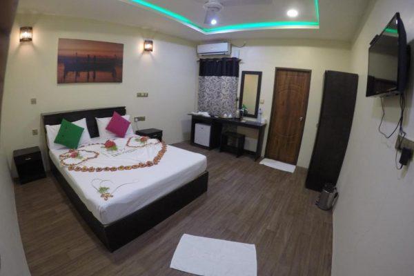 Deluxe Double Room with Snorkeling – Bibee Maldives