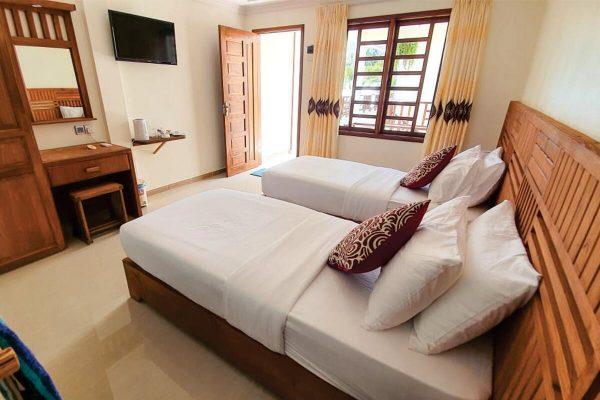 Deluxe Room – Kamadhoo Inn